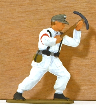 WWII German Ski Trooper - Climbiing - fully paint