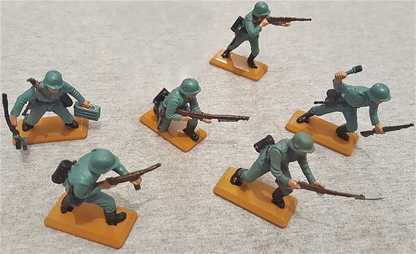Deetail WWII German Infantry Set #1 - tan bases