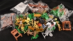 Medieval Grab Bag 'E' approx 150 figures & access