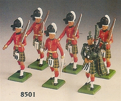 Gordon Highlanders with Piper & Officer