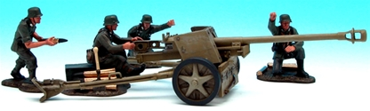German Pack 40 Anti-Tank Gun with Crew