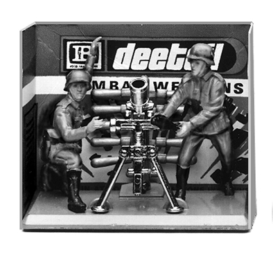 Deetail WWII German Mortar and Crew - mint on card